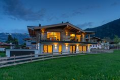 Villa Brunnfeld Style At Home, Villa, Log Homes, Exterior, Contemporary, Mansions, House Styles, Home Decor, Mountain