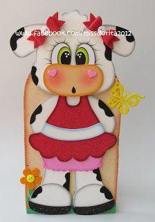 Miss Dorita: Vaquita Porta Papel Toalla en Foamy Diy Hanging Planter, Second Wedding Anniversary, Cute Fantasy Creatures, Jumbo Box Braids, Felt Wreath, Paper Crafts, Diy Crafts, Photography Lessons, Punch Art