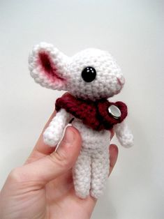 Stella the Mouse, crochet pattern, not free, small price, big rewards, I think!