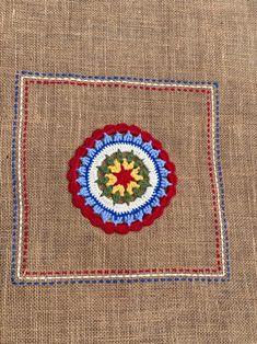 Crochet Table Runner, Crochet Tablecloth, Crochet Doilies, Farmhouse Table Runners, Embroidery Motifs, Crochet Squares, Loom Weaving, Vintage Crochet, Burlap