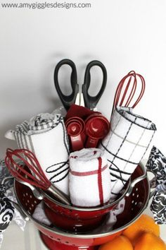 Wedding Gift Ideas Gift Guide: 15 Perfect DIY Gift Basket Ideas - These gift basket ideas will help you impress your friends with beautiful gift baskets they're sure to enjoy throughout the holiday season and beyond. Kitchen Gift Baskets, Diy Gift Baskets, Raffle Baskets, Basket Gift, Kitchen Gifts, Kitchen Tools, Diy Kitchen, Kitchen Towel Cakes, Coffee Gift Baskets