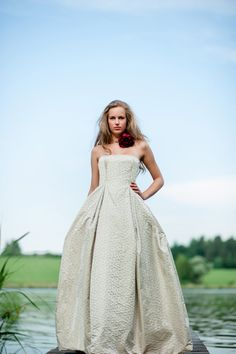 beautiful #wedding dress by therese und luise Photo by Petra Hennemann