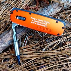 Gerber Fit Flashlight Multi-tool Orange 30-000376. LED light and compo, #30 #flashlight #gerbertools #multitool