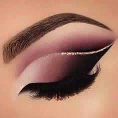 eyeliner makeup looks winged - eyeliner makeup . eyeliner makeup looks . eyeliner makeup looks winged . eyeliner makeup looks natural . eyeliner makeup looks simple . Eye Makeup Steps, Makeup Eye Looks, Beautiful Eye Makeup, Eye Makeup Art, Smokey Eye Makeup, Cute Makeup, Makeup Eyeshadow, Awesome Makeup, Mua Lipstick