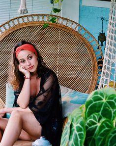 Anemone Turbanheadband #Headband #Summerheadband #Bali #Balicollection #Koralle #Summer #Lifestyle #Fashion #Kimono #Outfit #Shooting  #Fashion, #Events, #Collections, #Scrunchies, #Kimono #shooting #festival #coachella #festivalmakeup #summer #spring #lifestyle #blogger #austria #holidays #highwaist #croptop Austria Holidays, Bali, Summer Headbands, Kimono Outfit, Fashion Events, Festival Makeup, Lifestyle Fashion, Scrunchies, Coachella