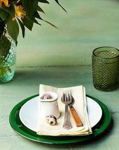 Mesa para servir ovos beneditinos