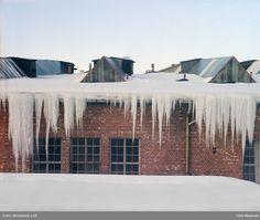 fabrikkbygning, snø, istapper