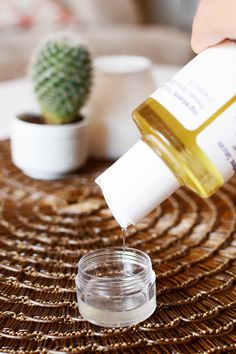 Fill your vial / jar ⅓ of the way with the coc Eyebrow Serum, Eyebrow Makeup Tips, Permanent Makeup Eyebrows, Eye Makeup, How To Grow Eyebrows, Thick Eyebrows, Eye Brows, Grow Eyelashes, Full Eyebrows