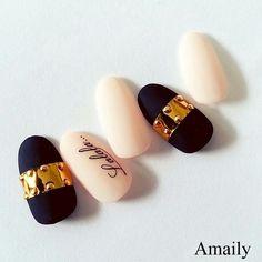 gold & navy nail 冬ネイル