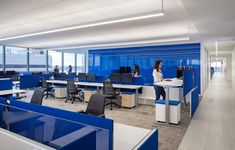 Stantec created an agile and performance driven design for research company, Gartner, located in Arlington, Virginia. For their new offices Gartner, the Corporate Office Design, Office Interior Design, Office Interiors, Vinyl Flooring, Flooring Ideas, Open Office, Modern Design, Construction, Tours