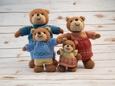 Sachiyo brings together this bear family exclusively for Deramores. Crafted in Deramores Studio DK, this collection of knitted bear toys features a Daddy, Mummy, Boy & Girl all sporting knitted Fairisle sweaters. Teddy Bear Knitting Pattern, Baby Cardigan Knitting Pattern Free, Baby Knitting Patterns, Crochet Patterns, Amigurumi Patterns, All Free Knitting, Knitting Books, Crochet Books, Teddy Bear Clothes