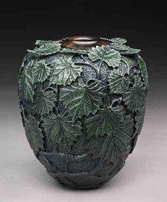 Incredible Carved Wooden Vessels: Dixie Biggs Creates Lathe-Turned, Leaf-Embellished Art