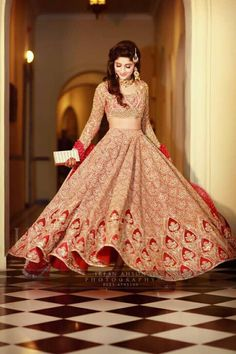 Pleasant to be able to the website, on this time We'll teach you regarding Indian Wedding Ideas Bridal Lehenga. Indian Bridal Outfits, Indian Bridal Wear, Pakistani Wedding Dresses, Indian Dresses, Lehenga Wedding, Lehenga Designs, Mehndi Designs, Look Chic, Indian Designer Wear