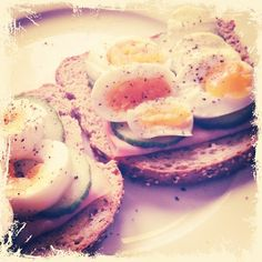 simplicity at its' best: eggs on toast! from www.lifelovelondon.com