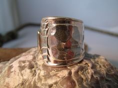 Ring silber, Besteckschmuck, gehämmert, 18 mm  von Humlebis Hytte auf DaWanda.com