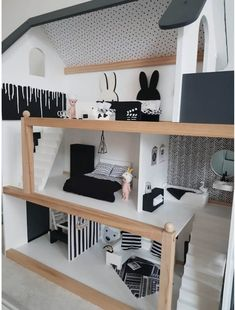 monochrome poppenhuis - unicorns & fairytales Girls Dollhouse, Wooden Dollhouse, Diy Dollhouse, Barbie House Furniture, Doll Furniture, Dollhouse Furniture, Doll House For Boys, Doll House Plans, Homemade Dolls