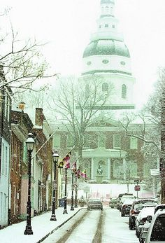 let it snow !! Annapolis,MD    Snow in downtown Annapolis..View of the State House  Z