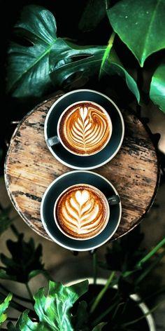 Coffee Latte Art, Coffee Cafe, Coffee Humor, Coffee Drinks, Coffee Girl, Coffee Creamer, Iced Coffee, Street Coffee, Coffee Enema