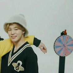 Read ❀ Yoonmin from the story ⸙͎۪۫ matching icons⌇multifandom by (❛ angel ✧ ! Yoonmin, Matching Couples, Matching Icons, K Pop, Jimin 95, Bff, Fotos Goals, Kpop Couples, Sad Wallpaper