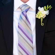 I really like this tie!