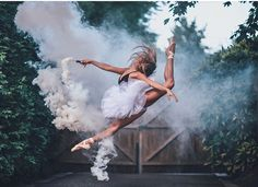 Isabella Fonte by Brandon Woelfel Dance Photography Poses, Smoke Bomb Photography, Dance Poses, Creative Photography, Ballet Pictures, Dance Pictures, Rauch Fotografie, Brandon Woelfel, Dance Photo Shoot
