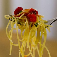 Tomato and Roasted Pepper Angel Hair Pasta Scoop