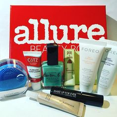 Just love my Allure Beauty Box of May! I'm testing and trying everything for further review! ️️ #allure #allurebeautybox #beautybox #beautyboxsubscription #subscriptionbox #subscriptionaddiction #subscriptionboxes #allurebeauty #beautyproducts #beautyblogger @allure