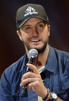 Luke Bryan Photos - Luke Bryan Announces Stadium Tour - Zimbio