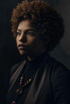 Portrait Poses, Studio Portraits, Female Portrait, Light Photography, Portrait Photography, Portrait Lighting Setup, Rembrandt Portrait, New York Film Academy, Student Images