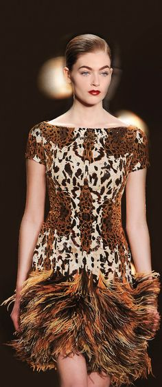Naeem Khan, a new look for prom......would you dare?  Let 108Affinity.com  help you style your look for prom.