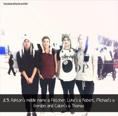 5 Seconds of Summer. They're so cute with their hats c:>>> they aren't cute , they're punk rock ( what am I saying they are so cute ) Calum Thomas Hood, Calum Hood, Fetus 5sos, 5sos Facts, 5sos Imagines, Ashton Irwin Imagines, 5sos Pictures, Michael Clifford, Second Of Summer