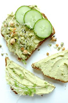 Creamy simple vegan cheese recipe made of cashews, nutritional yeast, lemon juice, garlic, parsley and chives. Best used as a spread on toast or in sandwiches or as a dip with veggies and crackers. The perfect healthy snack for vegans or lactose intolerants. #veganprogram #vegancheese #vegantoast #vegansandwich #vegandip #vegansnack #veganappetizer #vegan #veganfood #veganrecipes #veganmeal #veganlunch #veganmeal #plantbased #plantbaseddiet