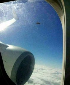 "A passenger on a plane from Hong Kong to southwest China's Kunming city claims to have photographed a 'UFO like flying object' outside the window of the plane. Larry Siu said the picture was taken by a friend of his on the flight last Friday. ""He said many passengers saw it and took pictures."""