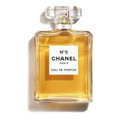 Discover and shop all the Fragrance and Perfume of the legendary CHANEL House. Includes the full range of CHANEL perfume and cologne collections for Men and Women on CHANEL website. Perfume Hermes, Parfum Chanel, Perfume And Cologne, Best Perfume, Perfume Bottles, Beauty Products, Eau De Toilette, Perfume Collection, Products