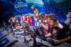 .@TeamVirtuspro are looking great here at #ESLOne Cologne!   Can they beat @FNATIC though? http://twitch.tv/esl_csgo