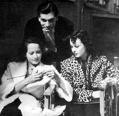 Merle Oberon, Laurence Olivier and Vivien Leigh, on the set of Wuthering Heights (1939).
