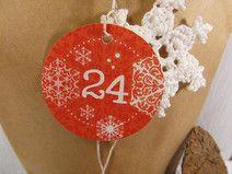 Adventskalenderzahlen Adventskalender Zahlen 24 Christmas Presents, Christmas Bulbs, Grafik Design, Gift Tags, Crochet Earrings, Holiday Decor, Gifts, Beautiful Things, Craft Items