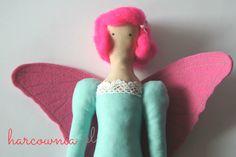 Tilda Dafne z fryzurą typu Pinup