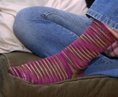 basic top down sock pattern for Dummies. Clear instructions with lots of color illustrations.