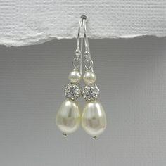 Ivory Pearl Earrings, Drop Pearl Earrings, Wedding Earrings, Bridal Earrings, Gift for Her, Gift for Mom, Mother of the Bride Gift Earrings