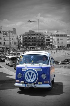 Volskwagen CALIFORNIA by David FALGÀS, via Flickr