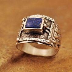 Sterling Silver Ring with Lapis stone. Ring is cast.
