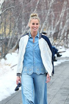 Former supermodel Niki Taylor was seen walking and relaxing along the High line in downtown Manhattan as she took a quick break from Fashion week.