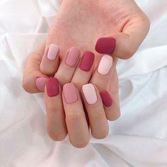 Gorgeous Nails Art Inspiration Ideas To Try This Year – neon nail art Gorgeous Nails, Pretty Nails, Velvet Nails, Pastel Nail Art, Ombre Nail Art, Subtle Nails, Acylic Nails, Nagellack Design, Minimalist Nails