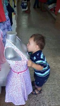 Funny kids, inappropriate breast feeding mannequin in department store ~ 33 Funny Pics, Funny Memes, Random Humor Funny Walmart Pictures, New Funny Pics, Walmart Funny, New Funny Memes, Funny Jokes For Kids, Super Funny Pictures, Funny Pictures For Kids, Funny Photos, Fun Funny