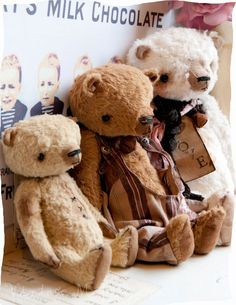 The Three Bears.                                                          ~thevintagemagpie.typepad.com