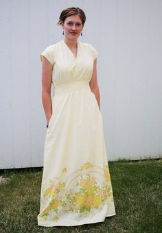 Nice maxi dress instructions for woven fabric. --  Running With Scissors: Yellow Maxi Dress from Vintage Sheet