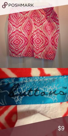 Mini Skirt Adorable pattern! Very flattering on body types. Stretchy fabric. Lightly used. Skirts Mini