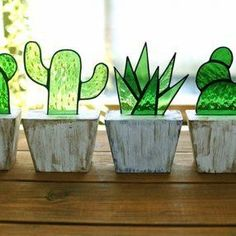 Stained Glass Cactus Ideas You Can Apply To Your House Decoration Stained Glass Flowers, Stained Glass Designs, Stained Glass Projects, Stained Glass Patterns, Stained Glass Art, Stained Glass Windows, Mosaic Glass, Fused Glass, Mosaic Patterns