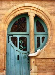 Front Door | Paint Color | Home Design | Round Window where is this? Wow!!! Love the colours